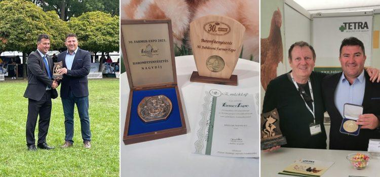 Estamos muy orgullosos de que este año hayamos podido recibir el Gran Premio de Cría Avícola en las dos ferias de Hungría, la Farmer Expo en Debrecen y en la de Hódmezővásárhely –  XXVIII. Exhibición de Ganadería y Agricultura de la Llanura.